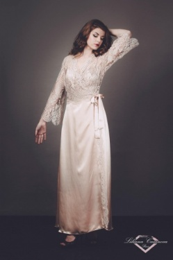 Cheverny Silk and Lace Dressing Gown