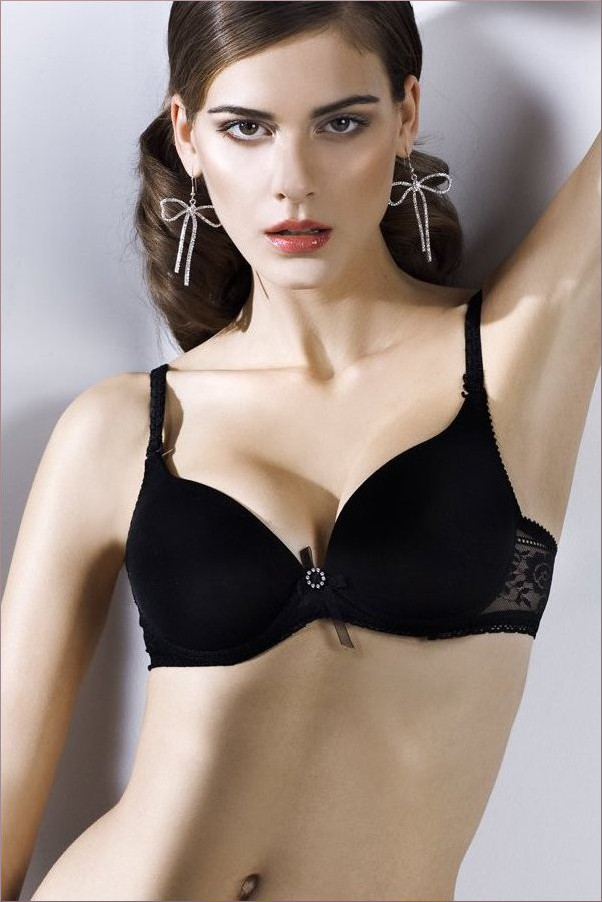 Black seamless cup bra ideal perfect for a smooth line under clothes.