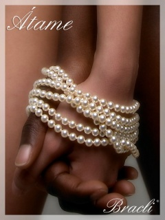 Manacor pearls from Bracli, availabel in natural or black.