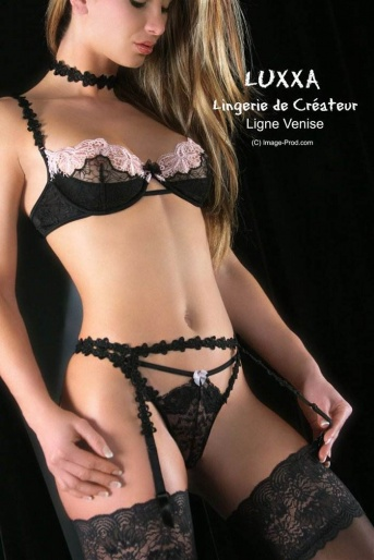 Venise String Black & Pink Lacy Thong by Luxxa