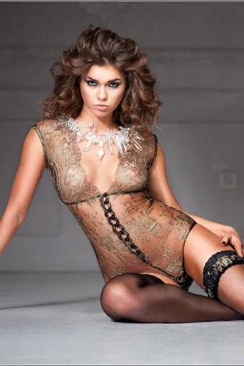 Lace Bodysuit in Luxury Solstiss Lace
