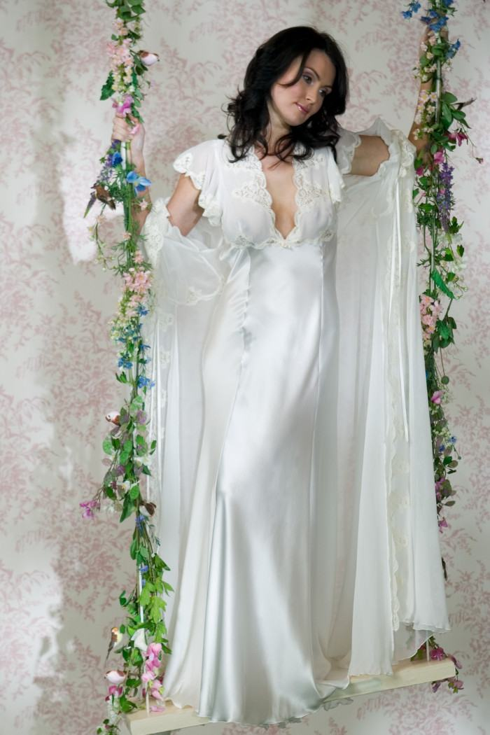 Real Silk Full Length Nightgown Jane Woolrich Design 7974 cd6a600ed
