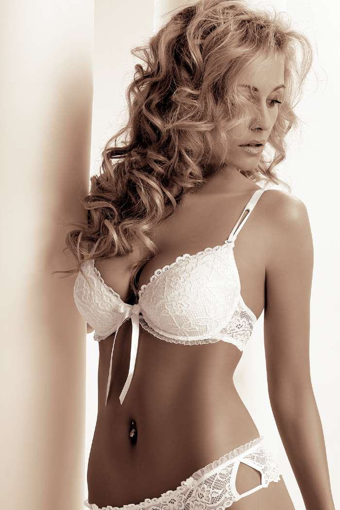 Roza Lingerie Carmen Push Up Bra in Black or White
