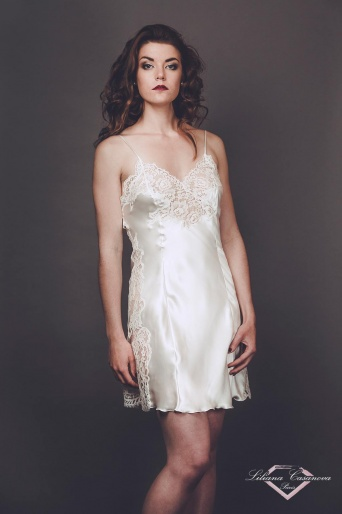 Chateaubriant Short Silk Nightdress