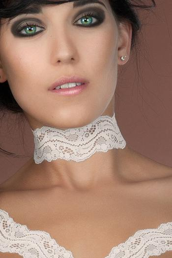 Nougat Ivory Lace Collar by Luxxa Lingerie