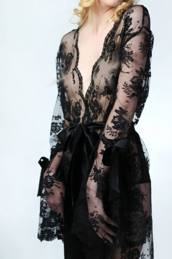 black-lace-robe-sonatine-by-sonata-lingerie