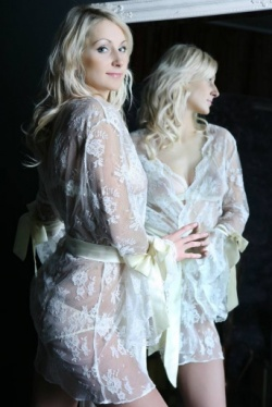 Ivory Lace Robe - Aida Designed by Sonata Rapalyte