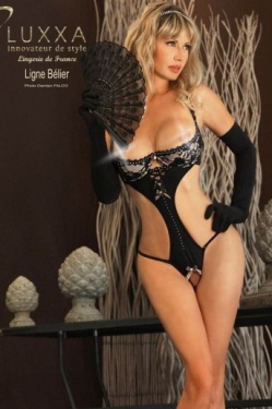 Belier Half Cup Body by Luxxa