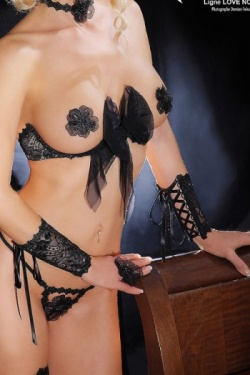 Love Noir Cuffs - Luxxa Black Lace Manchettes