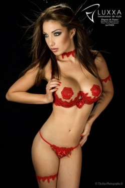 Poisson - Red Lace Open Cup Bra & Naked String