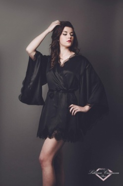 Balleroy Silk Short Robe